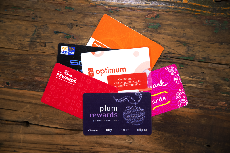 Rewards cards are shown in a photo. (Yahoo News Canada)
