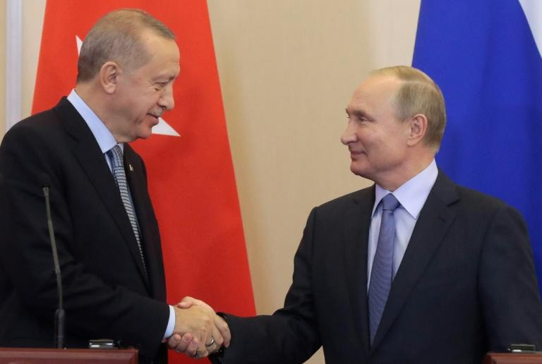 The agreement between Turkish President Recep Tayyip Erdogan (l) and Russia's Vladimir Putin cements Russia and Turkey's roles as the main foreign players in Syria