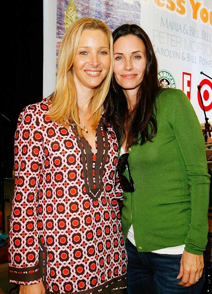"Lisa Kudrow and Courteney Cox Arquette have a ""friendly"" reunion. Donato Sardella/<a href=""http://www.wireimage.com"" target=""new"">WireImage.com</a> - November 4, 2007"