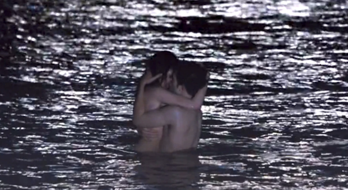Bella and Edward having sex in the ocean
