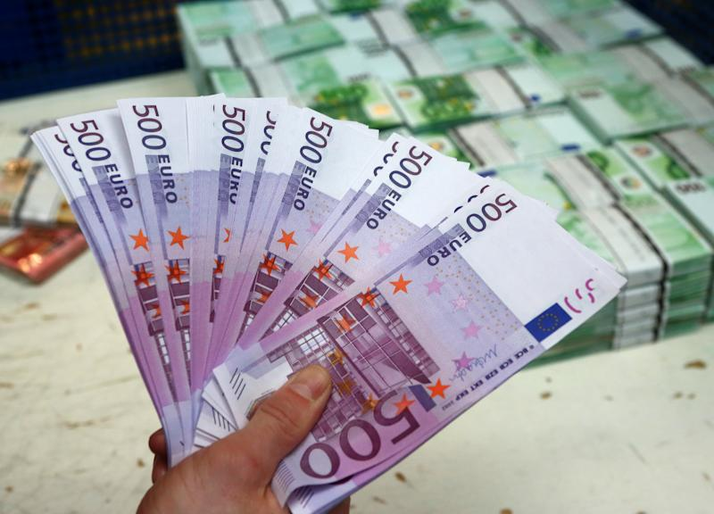 Tens of thousands of 500-euro banknotes similar to these were reportedly clogging toilets in Geneva. (Leonhard Foeger/Reuters)