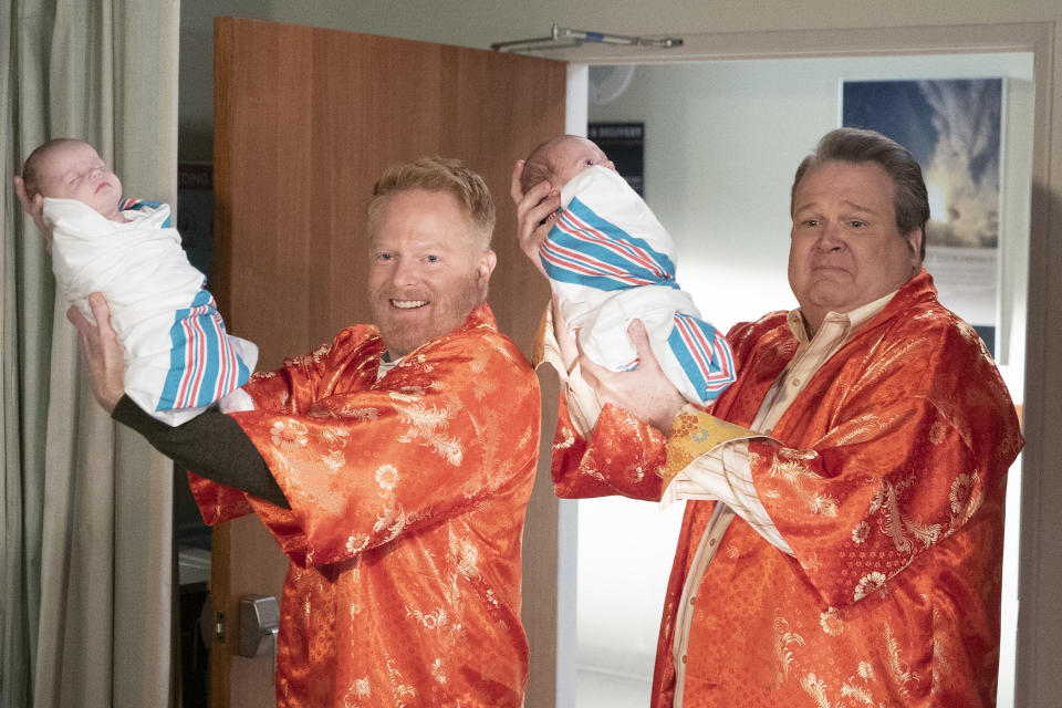 """MODERN FAMILY - """"A Year of Birthdays"""" - As the birth of Haley and Dylan's twins approaches, we take a look back at how each family member celebrated their birthdays this past year on the season finale of """"Modern Family,"""""""