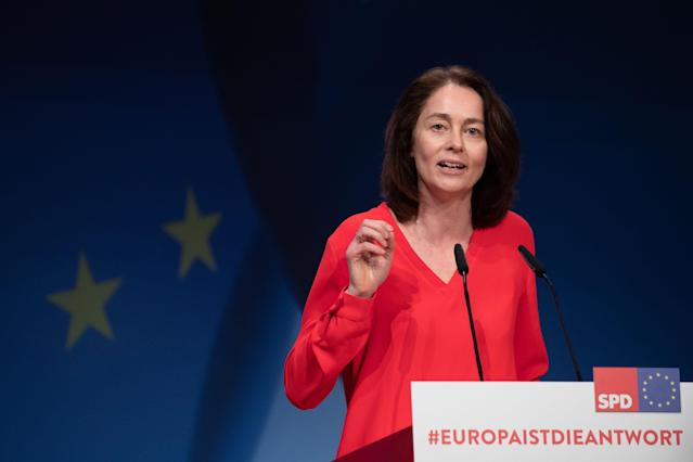 HYJ00. Berlin (Germany), 23/03/2019.- Minister of Justice and Consumer Protection Katarina Barley speaks during the Party Convention for the European elections campaign at the BCC - Berlin Congress Center in Berlin, Germany, 23 March 2019. The main topic of the party convention is the SPD election program for the European elections on 26 May. (Elecciones, Alemania) EFE/EPA/HAYOUNG JEON