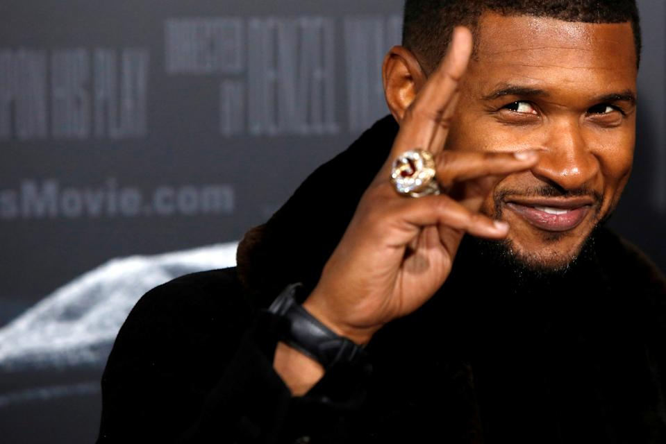 """Musician Usher attends the premiere of """"FENCES"""" in Manhattan, New York City, U.S., December 19, 2016. REUTERS/Andrew Kelly     TPX IMAGES OF THE DAY"""