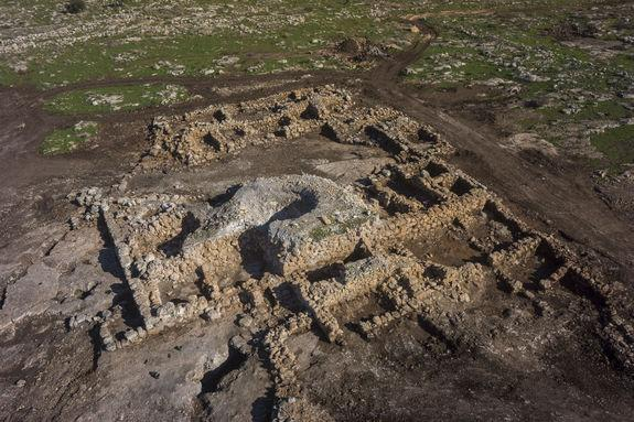 2,700-Year-Old Farmhouse Unearthed in Israel