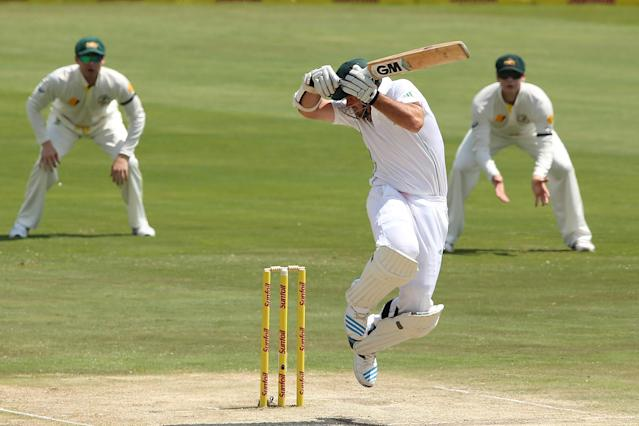 CENTURION, SOUTH AFRICA - FEBRUARY 13: Graeme Smith of South Africa plays a shot to get out against Mitchell Johnson of Australia during day two of the First Test match between South Africa and Australia on February 13, 2014 in Centurion, South Africa. (Photo by Morne de Klerk/Getty Images)
