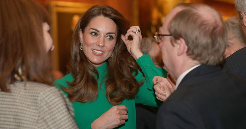 Future Queen Kate Middleton Helps Queen Elizabeth Host Leaders at Palace Without Prince William
