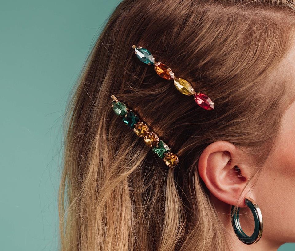Spruce up any outfit with festive holiday hair accessories. (Photo via Getty Images)