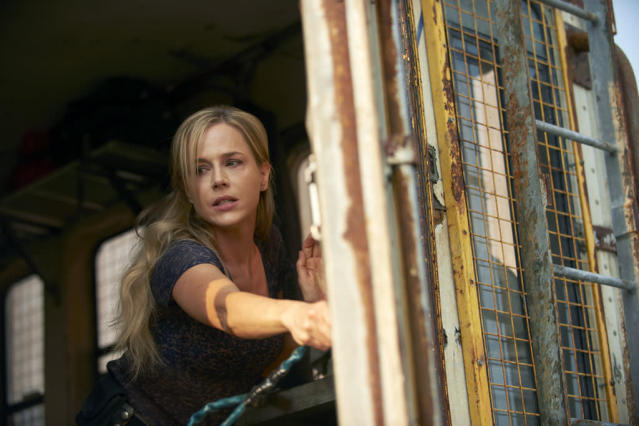 "Julie Benz as Amanda Rosewater in the ""Defiance"" episode, ""The Serpent's Egg."""