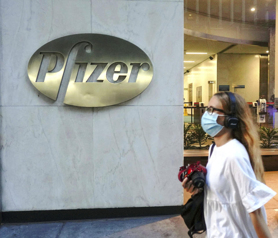 APRIL 27th 2021: The Centers for Disease Control and Prevention (CDC) eases outdoor facemask guidance for vaccinated Americans. - File Photo by: zz/John Nacion/STAR MAX/IPx 2020 7/28/20 A view of Pfizer Inc. World Headquarters in Midtown Manhattan on July 28, 2020 as New York City enters Phase 4 of the reopening process as certain restrictions are eased during the worldwide coronavirus pandemic. (NYC)
