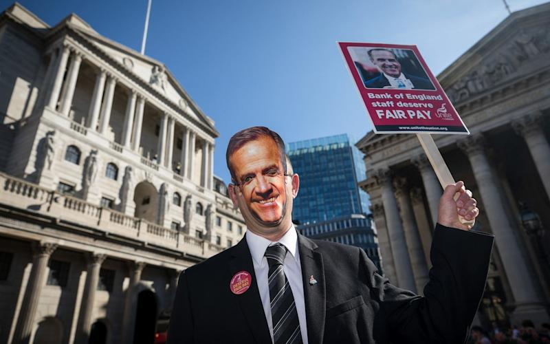 Mark Carney and Bank of England's MPC has been put under pressure by yesterday's rise in inflation - Bloomberg News