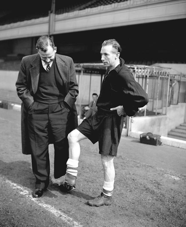 <p>1 Stanley Matthews<br> Age: 41 years 228 days<br> Against Northern Ireland 1956 </p>
