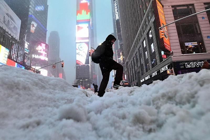 Snow, freezing rain, and ice bring the northeast corridor to a halt: AFP
