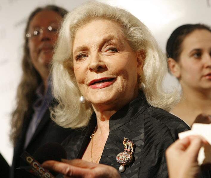 Actress Lauren Bacall arrives at Elle's Annual Women in Hollywood party held at the Four Seasons on October 15, 2007 in Los Angeles, California (AFP Photo/Charley Gallay)