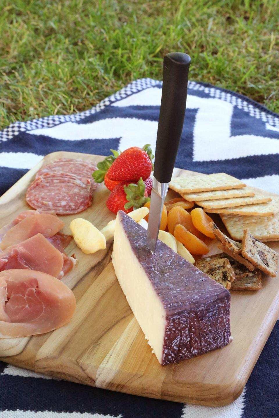 <p>Before you head to your picnic destination, be sure you have everything you need. There's nothing worse than getting there and realizing you have to sit on itchy grass because you forgot a blanket!</p>
