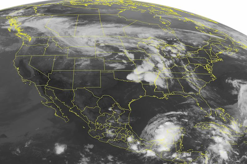 This NOAA satellite image taken Friday, May 31, 2013 at 01:45 AM EDT shows fair weather across much of the Eastern US. Frontal boundary over the Midwest and Mississippi Valley with light to moderate rain and scattered thunderstorms, some being severe. (AP PHOTO/Weather Underground)