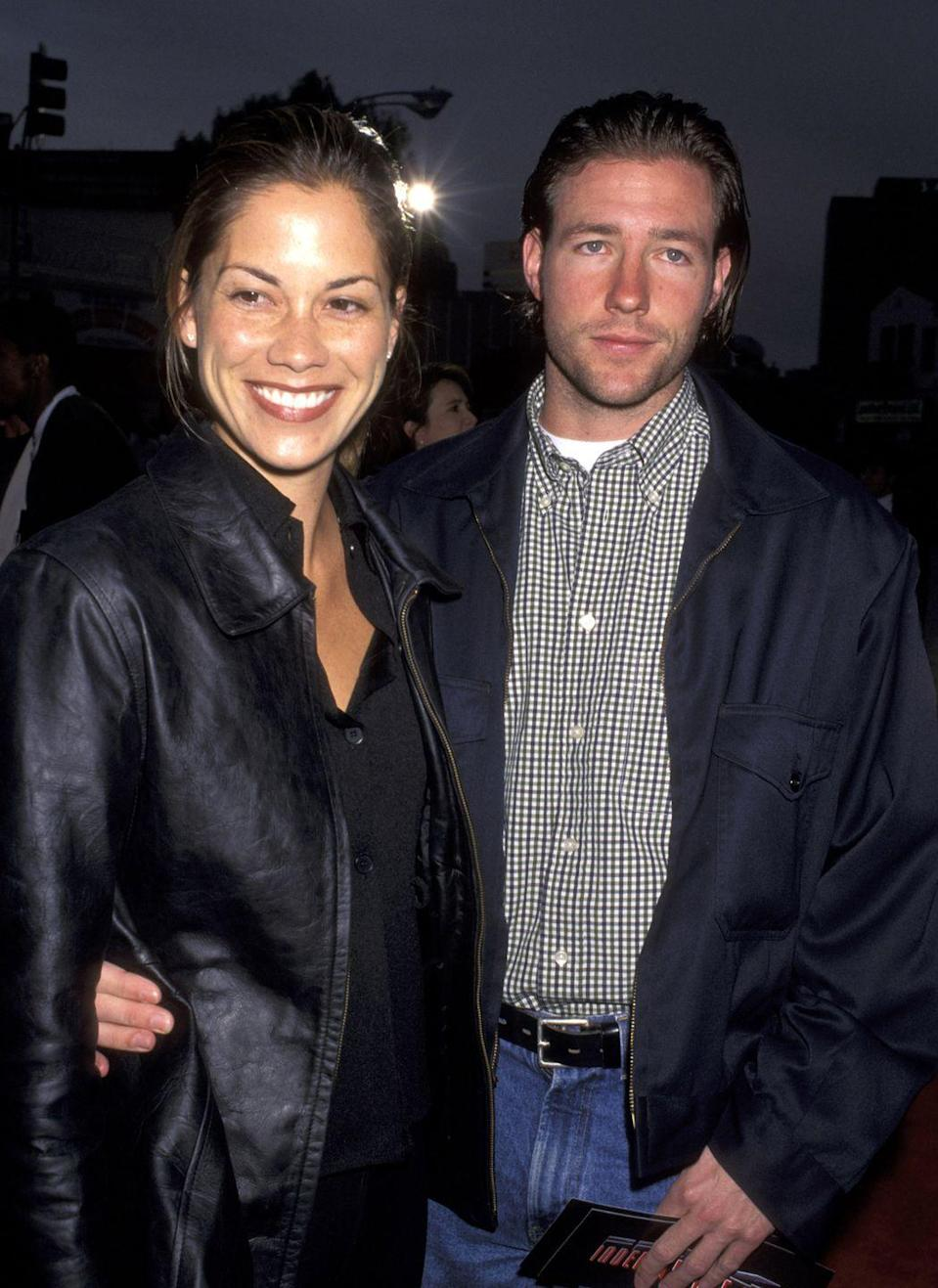 <p>Ed Burns, looking very Ed Burns, with Maxine Bahns. <br></p>