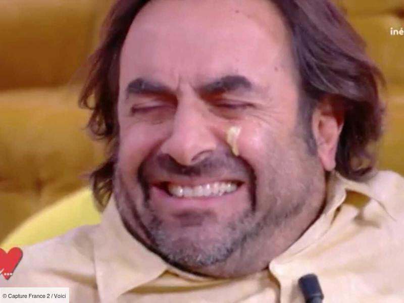 VIDEO André Manoukian dégoûté par un test beauté à base de bave d'escargot