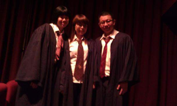 Three fans decked out in rented Potter garb! (Yahoo! photo/ Jeanette Tan)