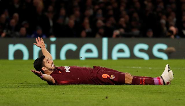 Soccer Football - Champions League Round of 16 First Leg - Chelsea vs FC Barcelona - Stamford Bridge, London, Britain - February 20, 2018 Barcelona's Luis Suarez reacts Action Images via Reuters/Andrew Boyers