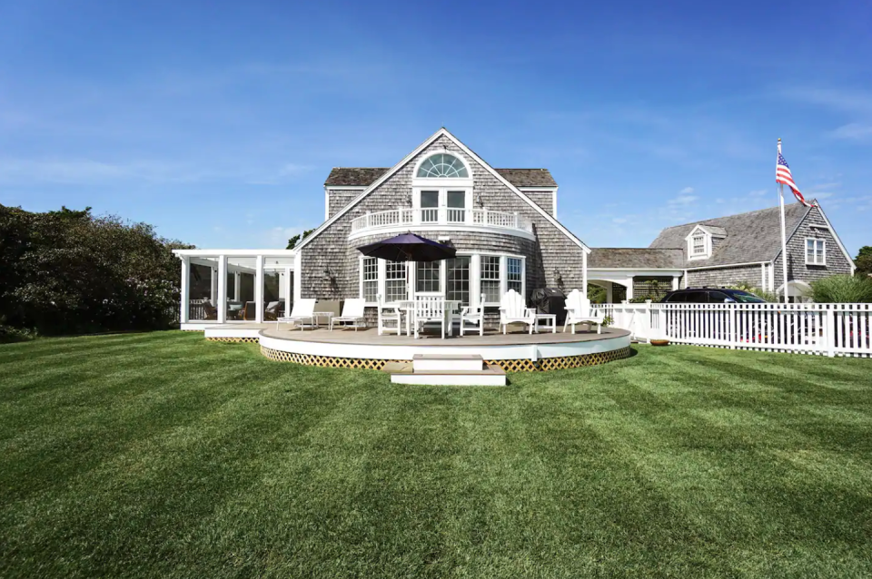 """<p><strong>Sleeps: </strong>10</p><p><strong>Bedrooms: </strong>6</p><p><strong>Why We Love It: </strong>This Nantucket rental is designed by architect Lyman S. Perry and summons classic New England vibes in each of its rooms. Lounge in the main house, or stay in one of the cottages; spend your time by the infinity pool and enjoy alfresco dining before the big day. Then, set up your ceremony and reception on the grounds. </p><p><a class=""""link rapid-noclick-resp"""" href=""""https://go.redirectingat.com?id=74968X1596630&url=https%3A%2F%2Fwww.airbnb.com%2Fluxury%2Flisting%2F38717830%3Fsource_impression_id%3Dp3_1604935627_6ik6Pm6NMdz3XyPF%26guests%3D1%26adults%3D1&sref=https%3A%2F%2Fwww.harpersbazaar.com%2Fwedding%2Fplanning%2Fg34670031%2Fbest-north-american-airbnbs-for-weddings%2F"""" rel=""""nofollow noopener"""" target=""""_blank"""" data-ylk=""""slk:BOOK"""">BOOK</a></p>"""
