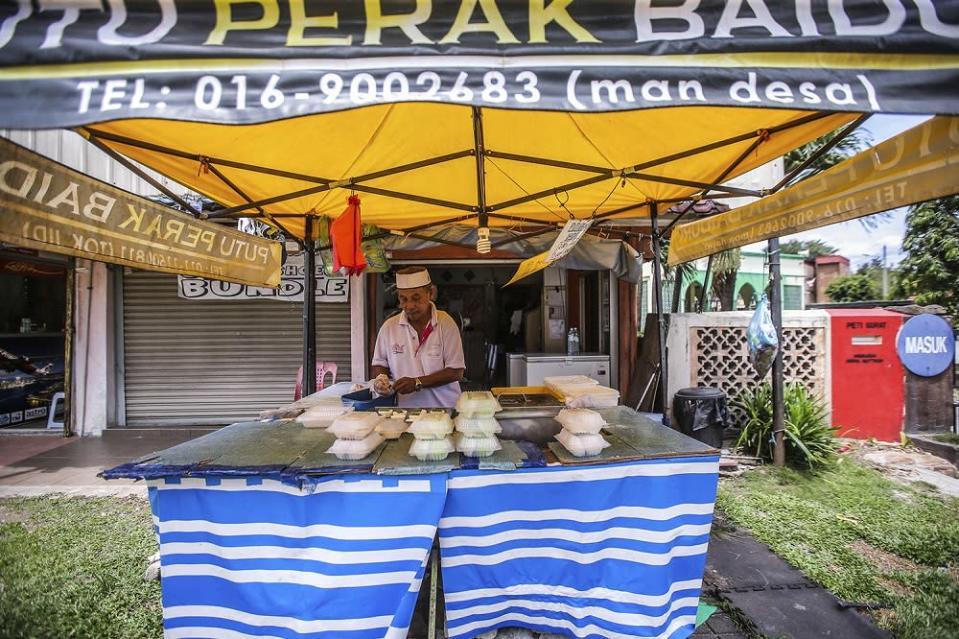 Mat Desa Awang said he is worried if he'll be able to pay his bills and feed his family. — Picture by Hari Anggara