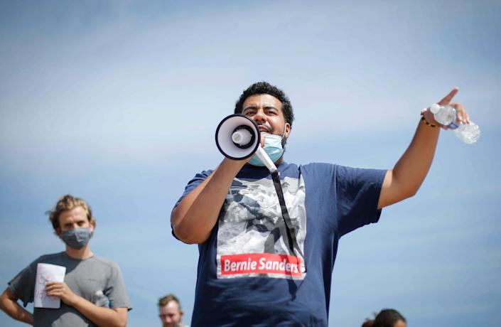 Image: Jaylen Cavil speaks to protesters at the Polk County Jail while they wait for Matè Muhammad to be released on Aug. 20, 2020, in Des Moines. (Bryon Houlgrave / The Register via USA-Today Network)