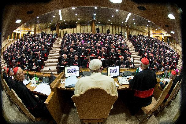 A handout picture released by the Vatican press office shows Pope Francis (C) chairing an extraordinary synod of nearly 200 senior clerics in the Synod Aula at the Vatican on October 6, 2014 (AFP Photo/)