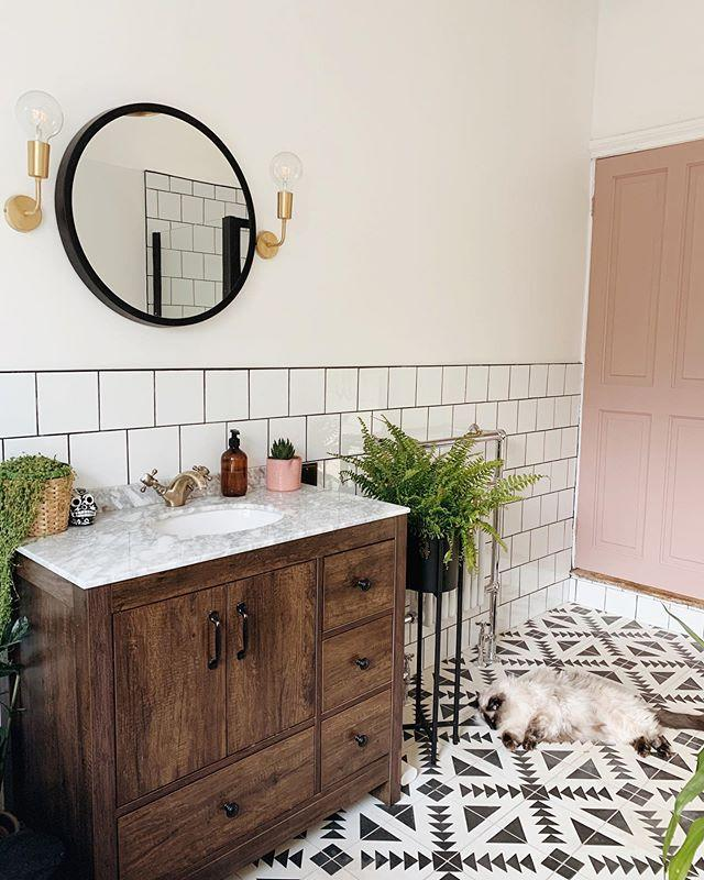 """<p>'Create a sleek and clean finish in your bathroom with an undermount sink. This sink style saw a 23 per cent increase in searches since November, as interior trend hunters looked to implement the trend,' says Sarah. </p><p><a href=""""https://www.instagram.com/p/B4tyeLRnaIn/"""" rel=""""nofollow noopener"""" target=""""_blank"""" data-ylk=""""slk:See the original post on Instagram"""" class=""""link rapid-noclick-resp"""">See the original post on Instagram</a></p>"""