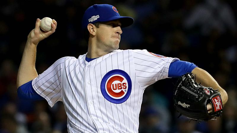 Hendricks leads Cubs to fourth straight win