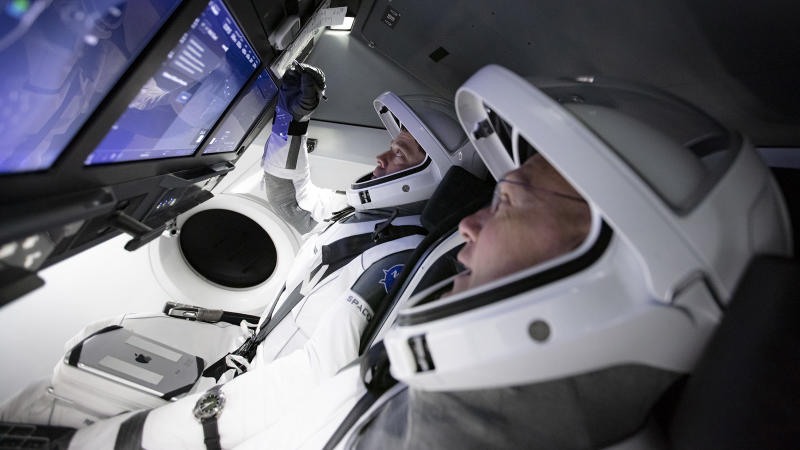 Crew-Dragon-Hurley-Behnken-NASA-SpaceX
