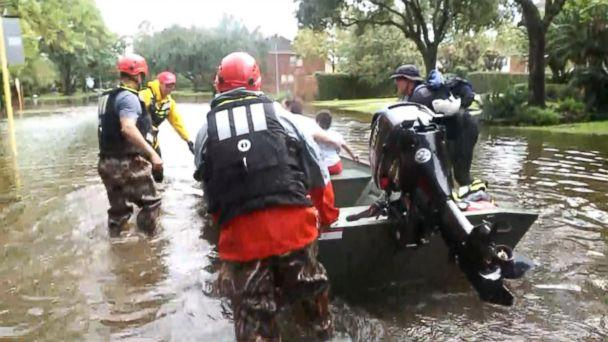PHOTO: Team Rubicon, a nonprofit composed of a group of military veterans, is helping people get to safety.  (ABC News)