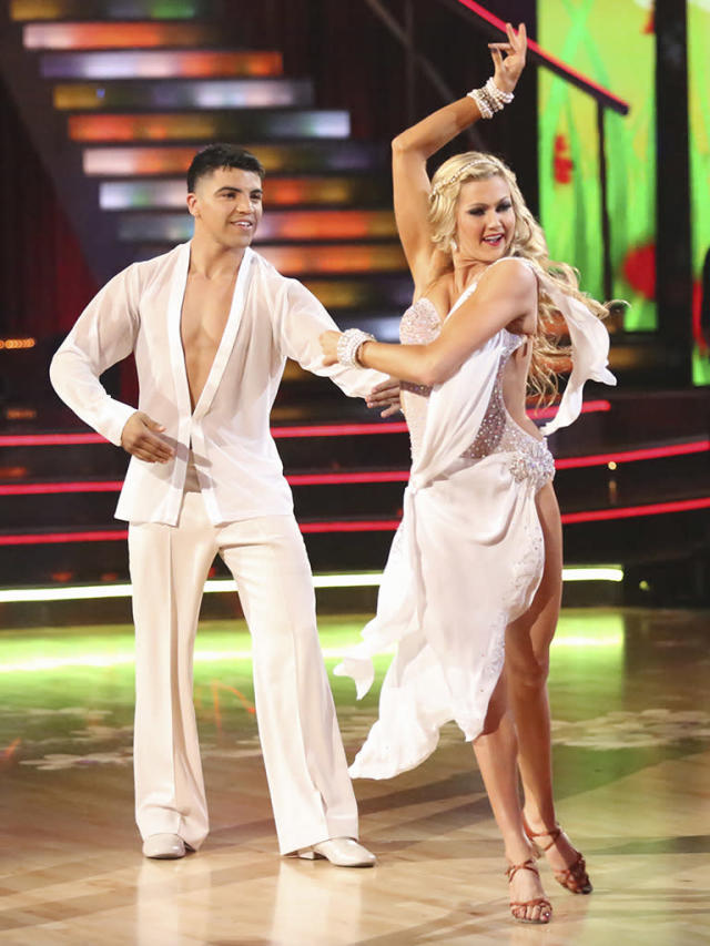 """Victor Oritz and Lindsay Arnold perform on """"Dancing With the Stars."""""""
