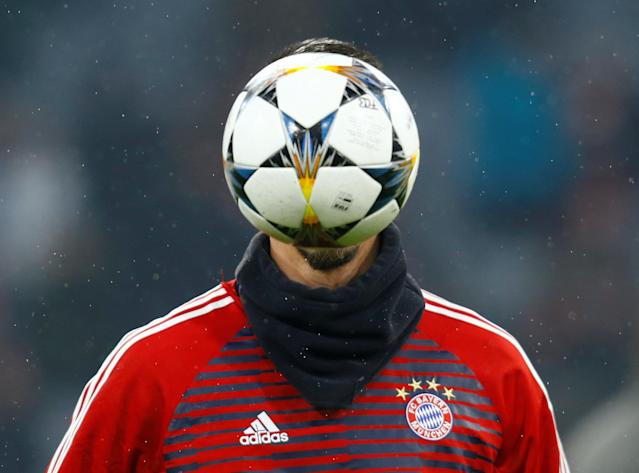 Soccer Football - Champions League Round of 16 First Leg - Bayern Munich vs Besiktas - Allianz Arena, Munich, Germany - February 20, 2018 Bayern Munich's Sandro Wagner warms up before the match REUTERS/Ralph Orlowski