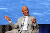 After going public with Amazon, Bezos raised 54 million US dollars from its IPO in 1997, becoming a millionaire. In 1998, he invested 250 million US dollars in Google becoming one of the first shareholders of the mega company. Just a year later, he had a net worth of 10.1 billion US dollars and was included in the Forbes World's Billionaires list.