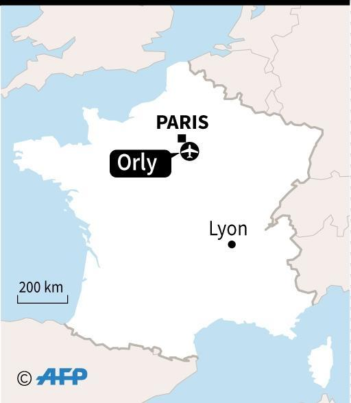 Man shot dead by security forces at Paris' Orly airport (AFP Photo/)
