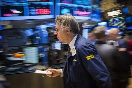 The dow closed at record highs for the sixth session in a row