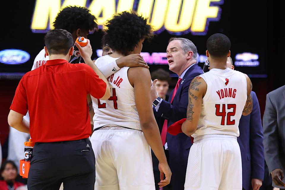 PISCATAWAY, NJ - MARCH 03:  Rutgers Scarlet Knights head coach Steve Pikiell talks to his players  during the second half of the college basketball game between the Rutgers Scarlet Knights and the Maryland Terrapins on March 3, 2020 at the Louis Brown Athletic Center in Piscataway, NJ.  (Photo by Rich Graessle/Icon Sportswire via Getty Images)
