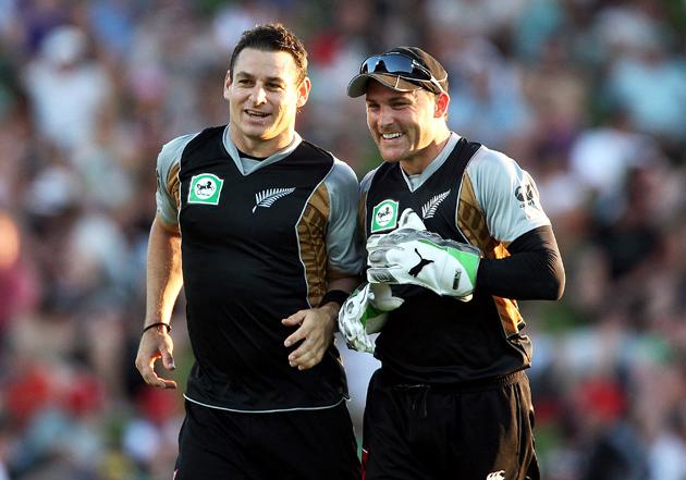 HAMILTON, NEW ZEALAND - FEBRUARY 03: Nathan McCullum celebrates with Brendon McCullum of New Zealand after bowling Mahmudullah RiyadÊof Bangladesh out during the Twenty20 International match between New Zealand and Bangladesh at Seddon Park on February 3, 2010 in Hamilton, New Zealand. (Photo by Hannah Johnston/Getty Images)