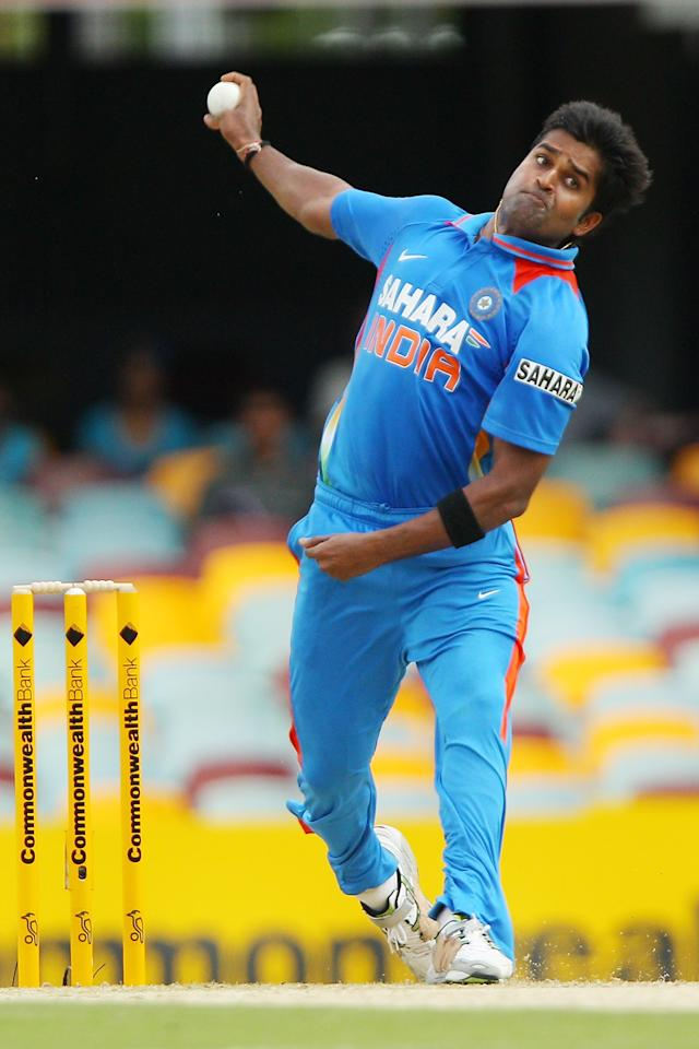 BRISBANE, AUSTRALIA - FEBRUARY 19:  Vinay Kumar of India bowls during game seven of the One Day International series between Australia and India at The Gabba on February 19, 2012 in Brisbane, Australia.  (Photo by Chris Hyde/Getty Images)