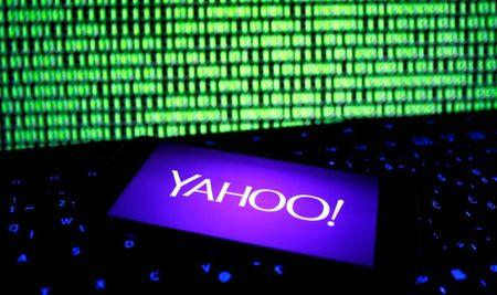 Yahoo, former execs face lawsuit over Chinese dissidents fund