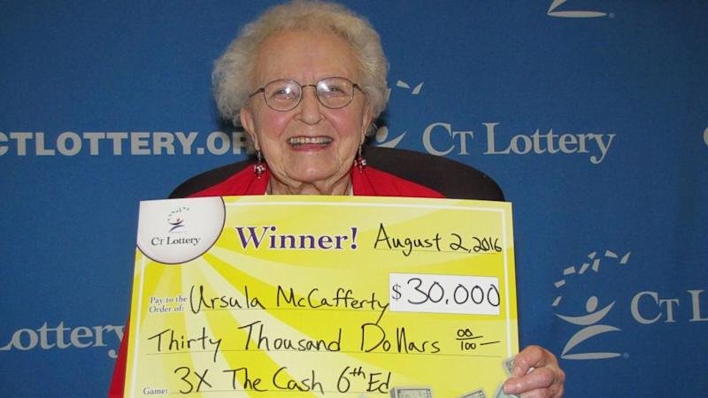 95-Year-Old Woman Buys New Cellphone With $30K Lottery Win (ABC News)