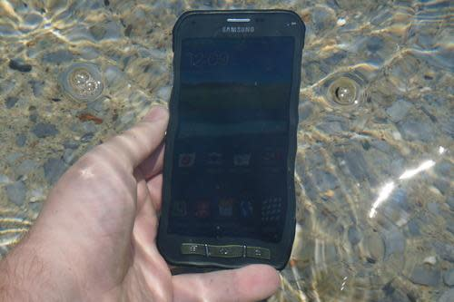 S5 Active phone under water