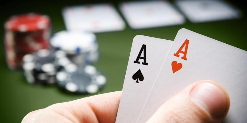 Confessions of a No-Limit Texas Holdem Online Insider: Playing the Player
