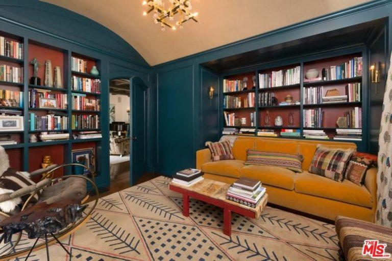 Built-in shelves make the library cozy. (Photo: The MLS via Trulia)