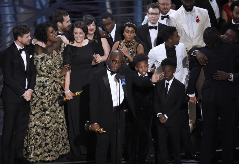 Advocacy groups: Forget Oscars snafu, focus on 'Moonlight'