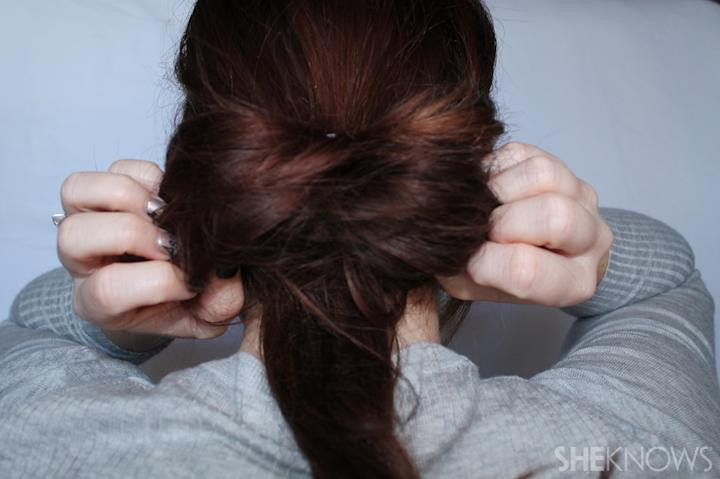 Hair bow | Sheknows.com - step 03