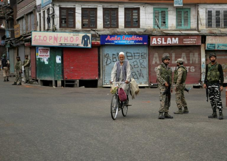 Residents of Srinagar and the Kashmir Valley have been starved of phone and internet use (AFP Photo/Sajjad HUSSAIN)