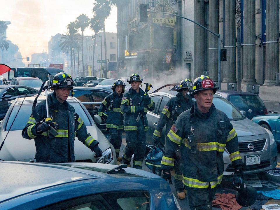 Oliver Stark, Kenneth Choi, Ryan Guzman, Aisha Hinds and Peter Krause in the season premiere of 9-1-1