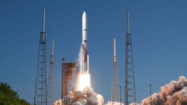 An artist's conception shows United Launch Alliance's Vulcan rocket lifting off. (ULA Illustration)